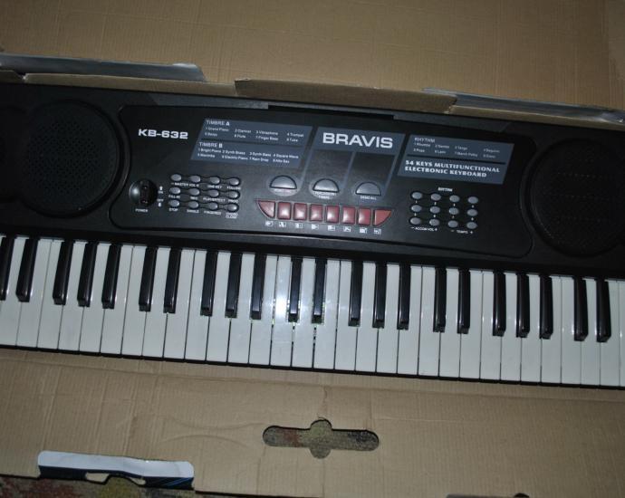 Синтезатор,Клавишник цифровой,пианино