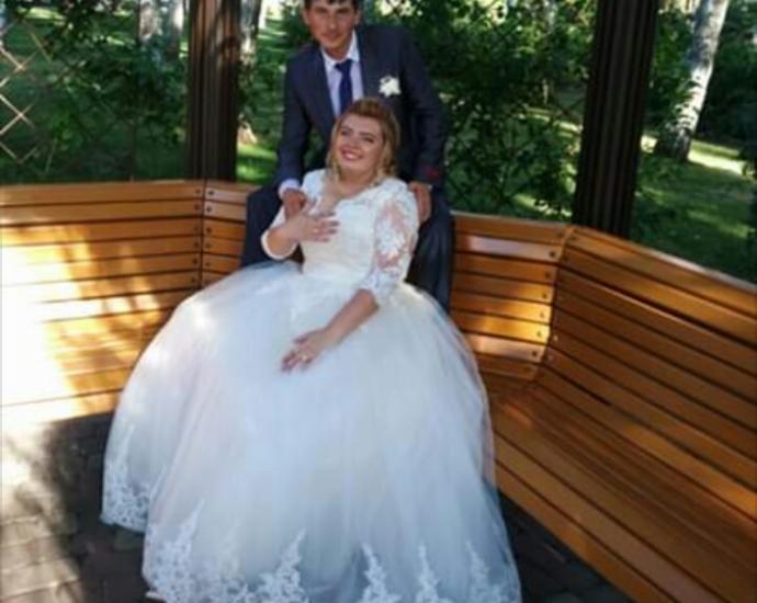 Нежное свадебное(кружевное)платье из салона Laura style