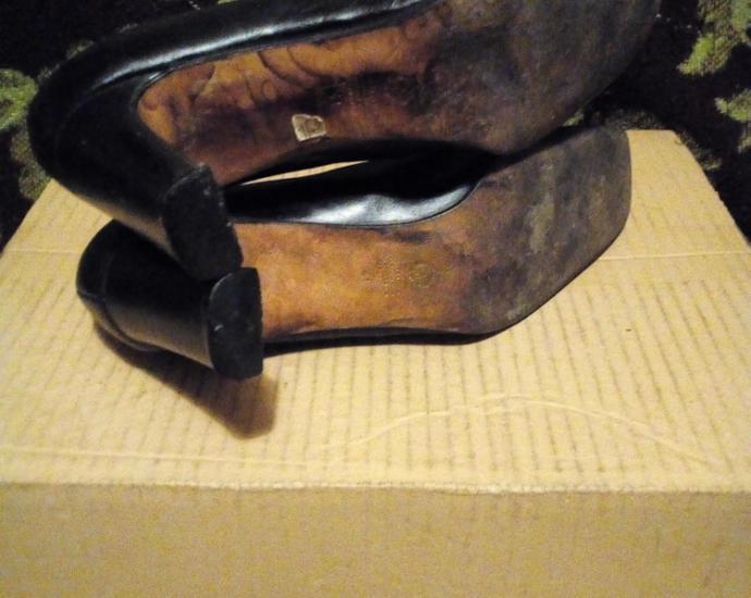 Кожаные женские туфли.в хорошем состоянии.размер 41.стелька 26,5 см.
