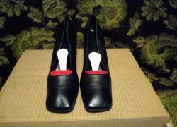 Женские кожаные туфли.в отличном состоянии.размер 40.стелька 25,5 см.